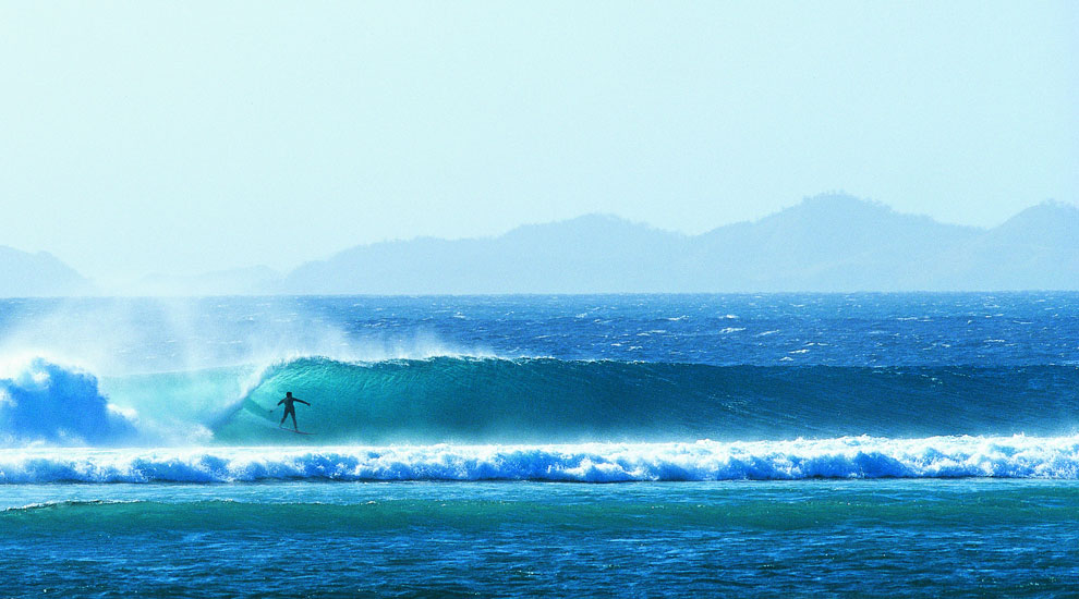 10 Best Islands for Surfers