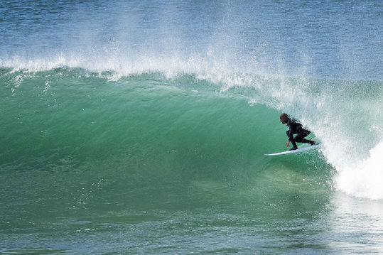 9009ea94a35924 Kelly Slater Sustains Another Foot Injury