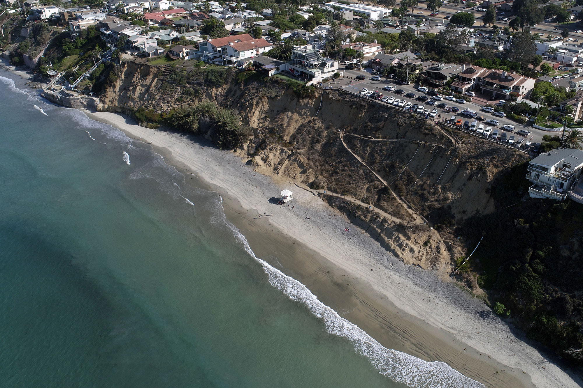Teenager attacked by shark off Californian beach