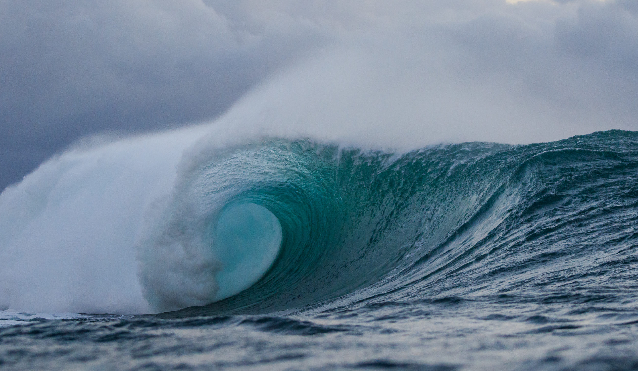 71c4b577d4 What to Expect Whenever Pipeline Wakes Up - Surfline